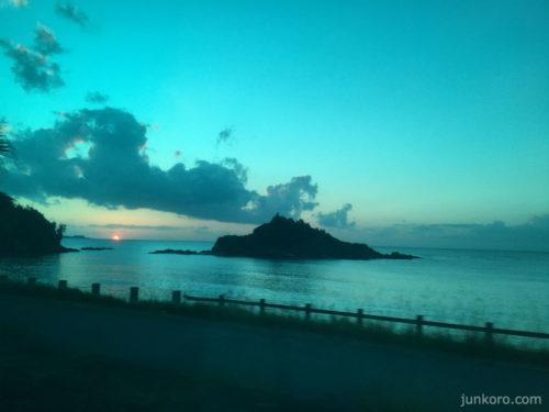 沖縄 バスからの夕日