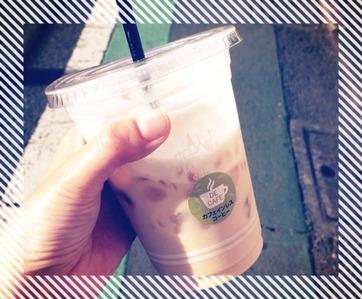 まちカフェ カフェインレスアイスカフェラテ